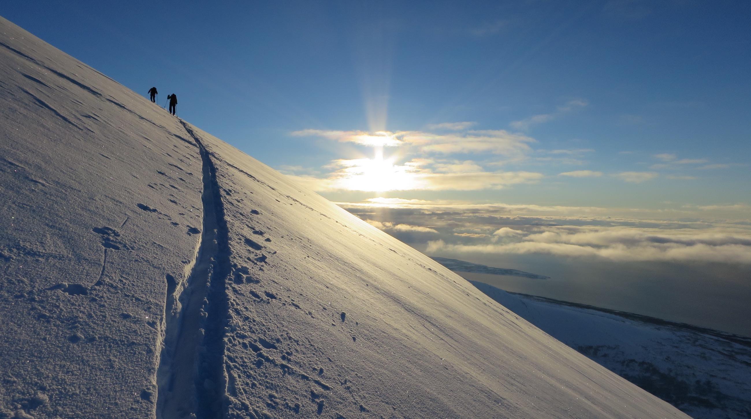 Velkommen til Tromsø Fjellsport - Vi tilbyr kurs og fjellføring i fantastiske omgivelser